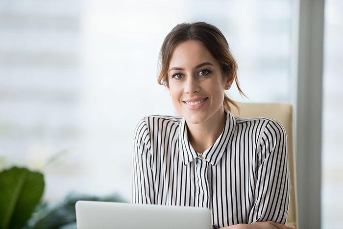 woman applying for private lending